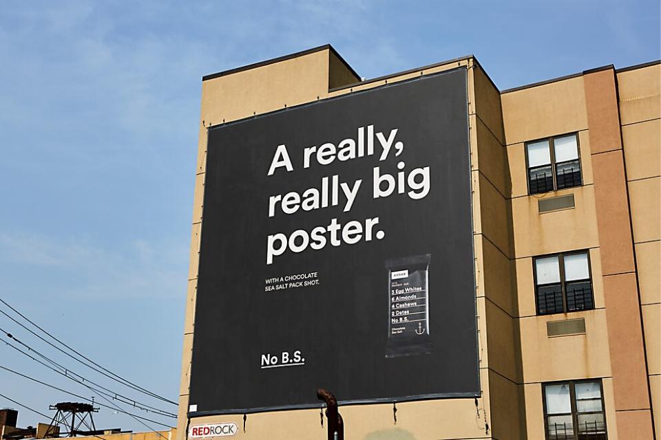 veľkoformátová reklama na budove
